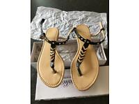 WOMENS NEW SANDALS SIZE 7