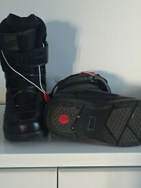 Vans snowboard boots - nearly new