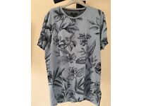 New w/ Tags & Receipt Mens Ted Baker Floral Print T-Shirt - Large (4) - Light Blue w/ Navy Print