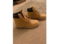 Men's timberland boots, size 5.5 never been worn. £60