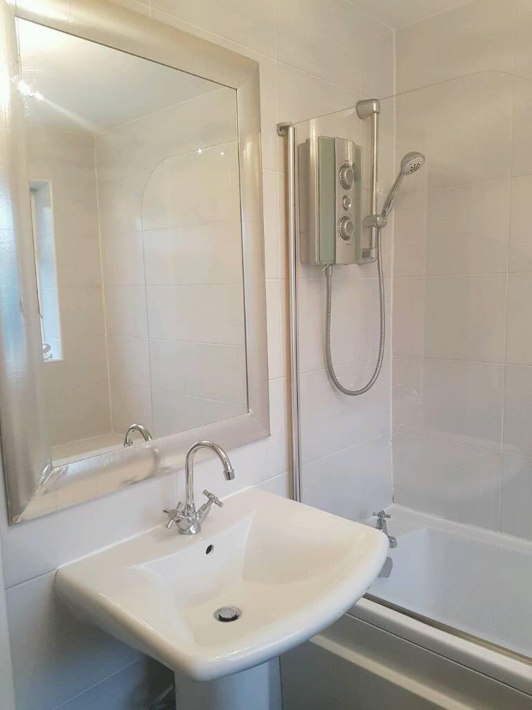 Bathroom Suites Manchester Complete Bathroom Suite Shower Screen Mirror In Bolton