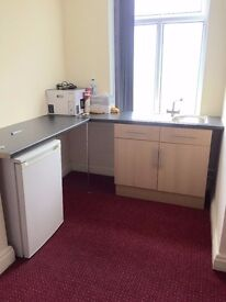 ****** NEWLY REFURBISHED STUDIO FLAT INCLUDING COUNCIL TAX & WATER *****