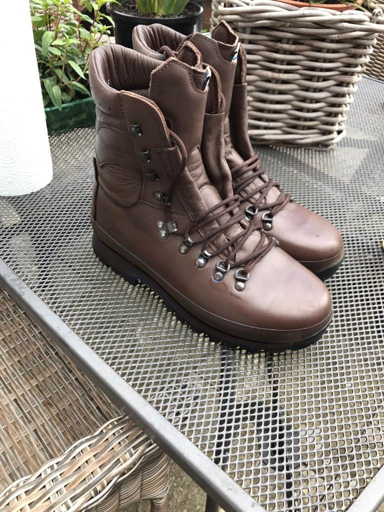 MoD Male Size 8 Brown Leather Altberg Combat Boots