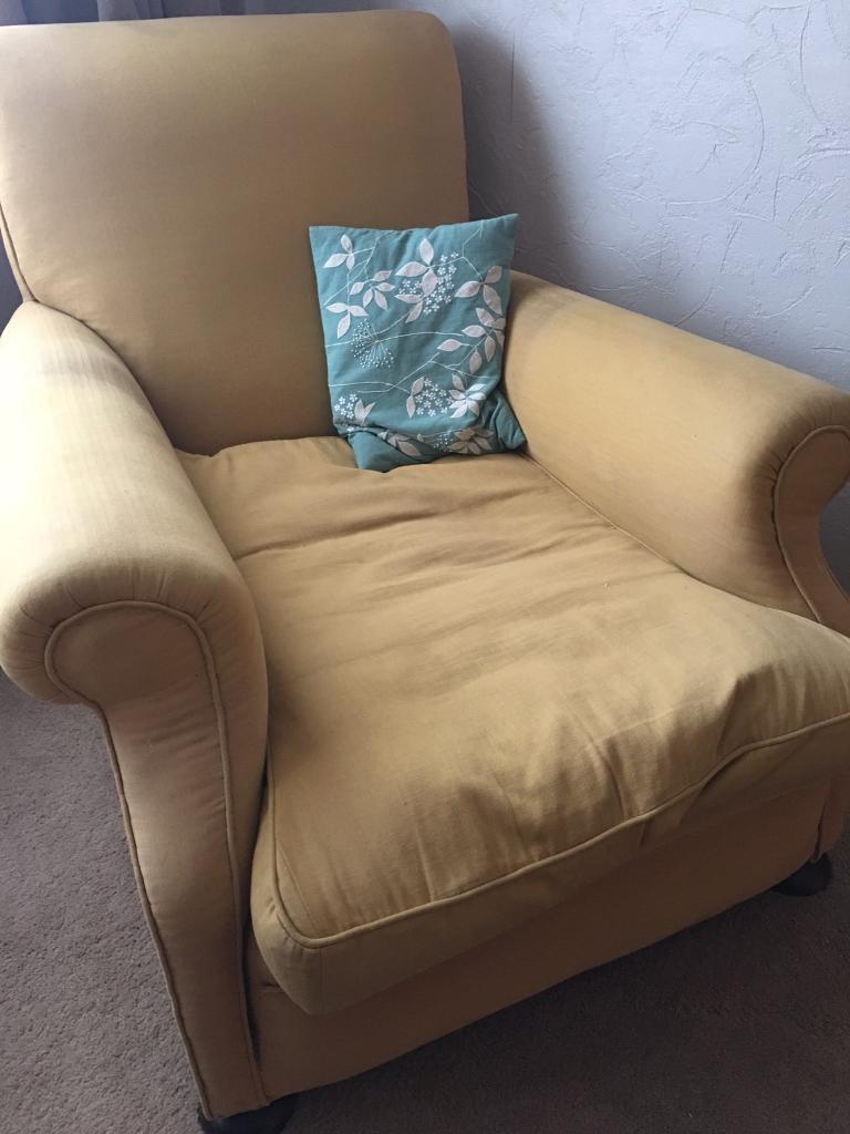Armchair. Shabby chic.