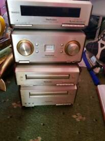 Technics stereo radio CD player
