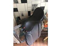 Black leather saddle (Windsor XWide)