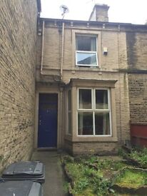 NEWLY REFURBISHED 1st FLOOR EN SUITE ROOM IN SHARED HOUSE ON ST JOHN'S LANE, CENTRAL HALIFAX TOWN