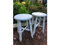 Wooden stools / stool x 2