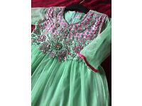 Girls dress aged 7-10