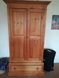 Solid Pine Wardrobe in good conditions with drawer at the bottom