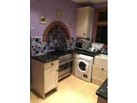 Double room to let in high wycombe walking distances to town