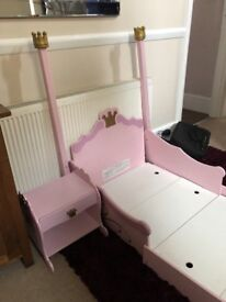 Pretty Pink toddlers bed