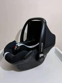 Maxi-Cosi Pebble Plus Car Seat Bundle