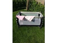 VIB (Very Important Baby) Siesta Travel Cot With Flat Sheets