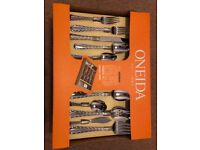 Oneida Madrid 65 Piece Cutlery Collection