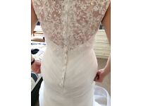 Stunning fitted ivory Wedding Dress size 10/12