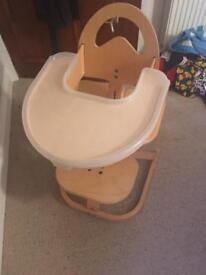 Svan wooden Hi chair