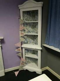 Shabby chic corner display unit