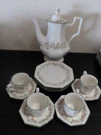 Eternal Beau-Coffee set-Coffee pot with coffee cups and tea plates