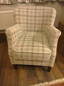 Club type chair