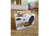 Giles & Posner 3 in 1 dessert maker cake pop cupcake doughnut maker