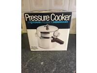 Pressure Cooker by debenhams 5 Litters Brand New