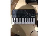 APC keys 25 as good as new still boxed £40