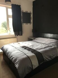3 bed house to share: Own large double bedroom with plenty storage.