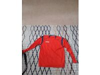 MUST GO TODAY!!12 x Adult Red Football Long sleeve Tops + 7 x Adult Blue Football Short sleeve top