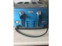 Delonghi 4 slice toaster in blue