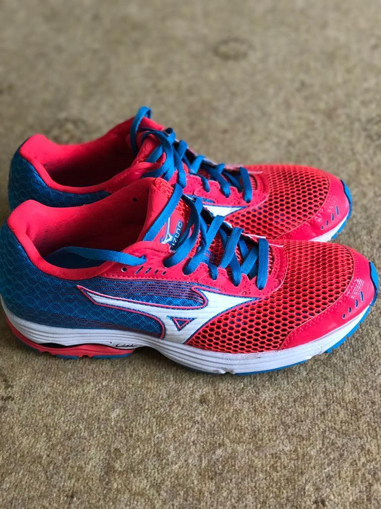Running shoes ladiesin Dudley, West MidlandsGumtree - Unboxed and used twice on treadmill only. Will fit size 6 or 6.5. Cost £100 new