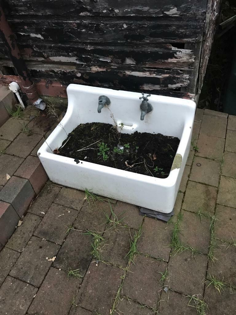 BELFAST SINK LIKELY ANTIQUE WATER TROUGH PLANTER OUTDOOR FEATURE