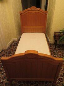 M & P PINE COT BED