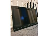 "32"" LCD TOSHIBA TV - EXCELLENT CONDITION"