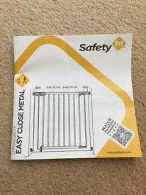 Safety 1st Easy Close Metal Safety Gate