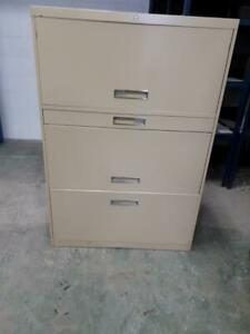 Classeur 3 tiroirs beige propre