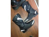2 pairs of oxtar motorbike boots size 8
