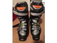 Salomon 9.0 Evolution Ski Boots - Size 6 (inc. carry case)