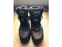 Eski Terrain steel toe and mid sole boots size 7