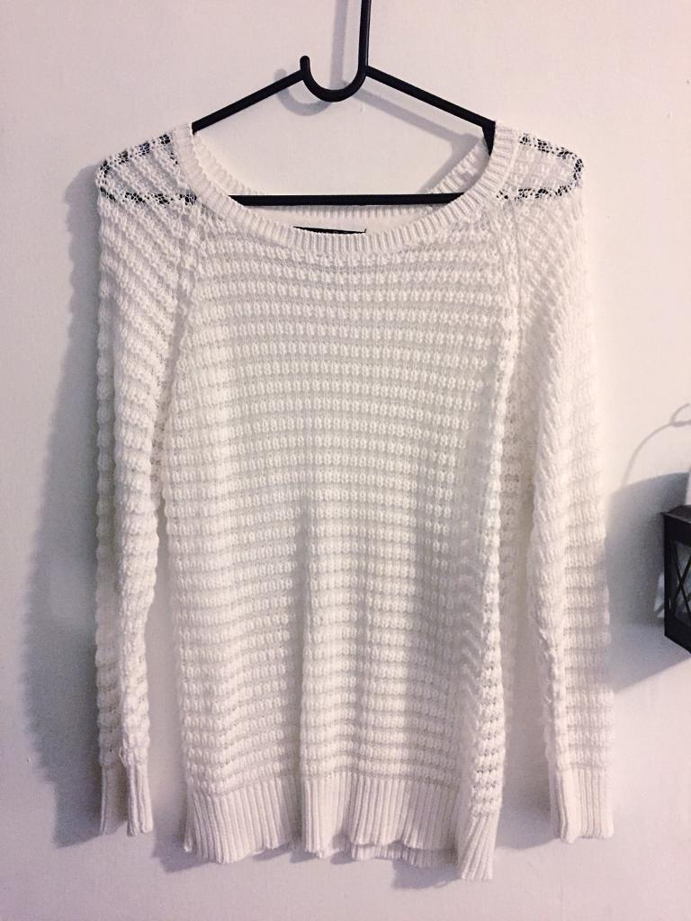 White jumper/sweater