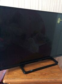 """34"""" Panasonic LCD TV for sale £80 collection only"""