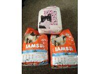 2 x 3kg Iams Cat Food, Fish & Chicken, 1-6 years + litter