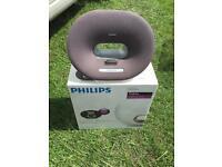 Phillips docking speaker