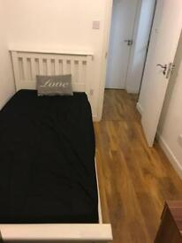 TWO Weeks FREE Ensuite Room - Reading Town (RG1)
