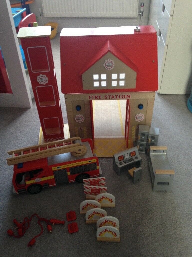 Tildo Wooden Fire Station and Fire Engine