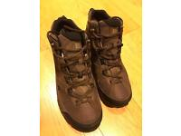 Mens Hillpass Mid GTX waterproof walking boot size 8 but see description.