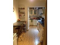 Clean twin room with shower and garden to let