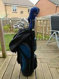Full set of men's golf clubs, trolley, balls etc