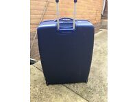 Pair of extra large hard shell light weight suit cases