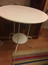 Lovely coffee / side table from ikea only a few weeks old £10